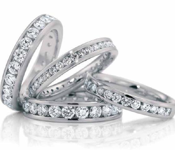 Argollas matrimoniales con diamantes