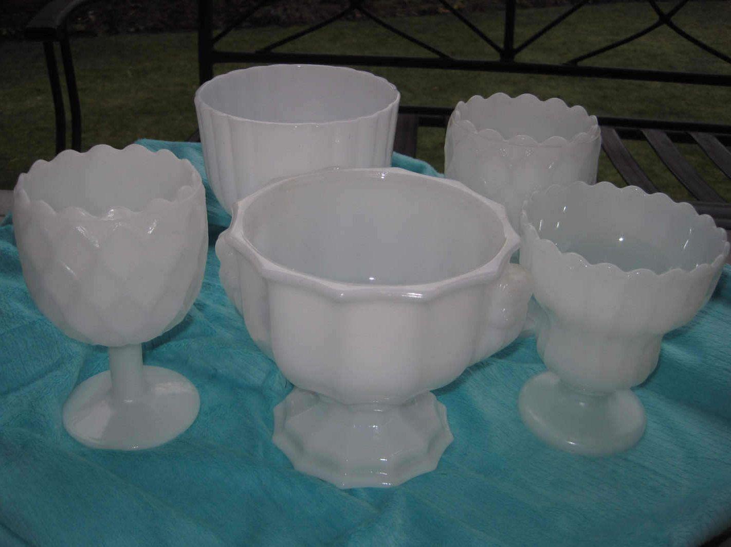 5 White Milk Glass Wedding Centerpiece Vases, Set Of 5 By