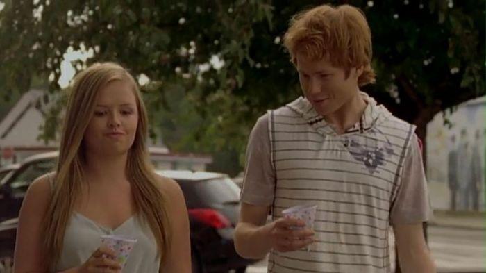 Austin Mars (Wesley MacInnes) Mallory Wells Anderson (Jessica Amlee).