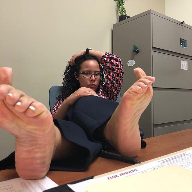 Teen Threesome Foot Fetish