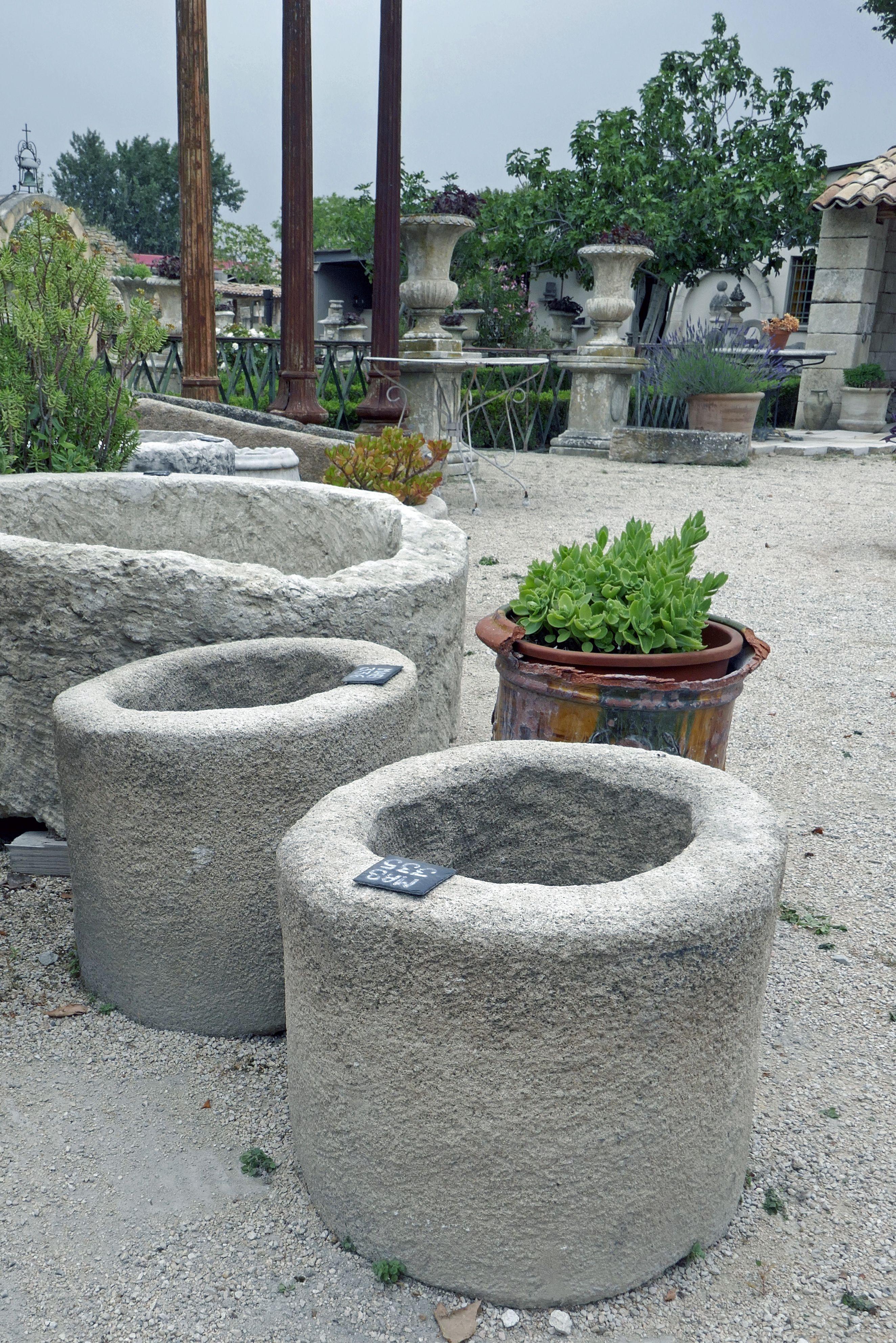 Charmant Pot A Fleurs En Pierre Ancienne Monolithe En Vente Chez Alain Bidal Materiaux Anciens Pot De Fleurs Pierre Jardins