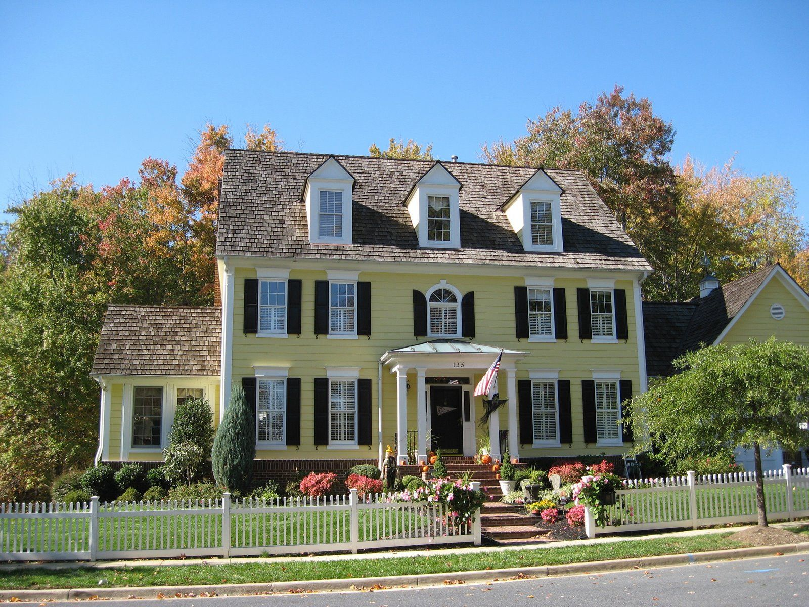 House shutters exterior colors yellow body white trim - Exterior house colors with black trim ...