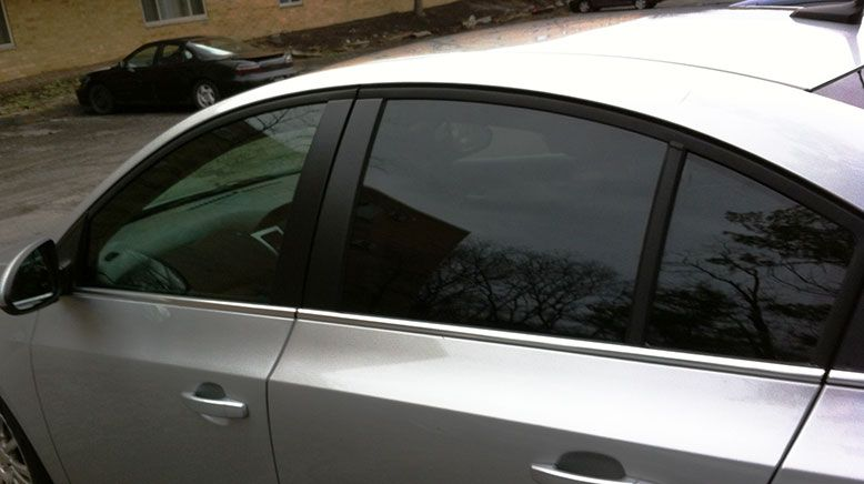Important benefits of automotive window tinting tinted