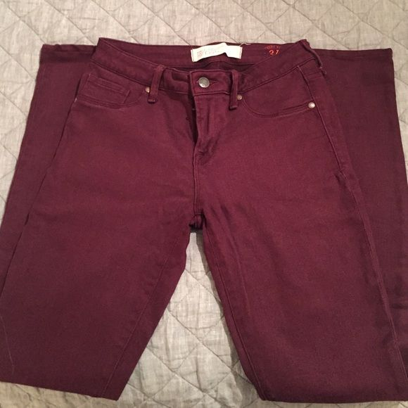 Marc by Marc Jacobs skinny jeggings Mint condition worn twice. Beautiful wine color and nice stretch to the material! More like a jeggings feel. Marc by Marc Jacobs Pants Skinny