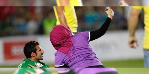 Futbol efsaneleri sahada: Luis Figo Roberto Carlos ve Carlos Puyol gibi efsane futbolcular Lübnan'daki özel maçta ter döktü.