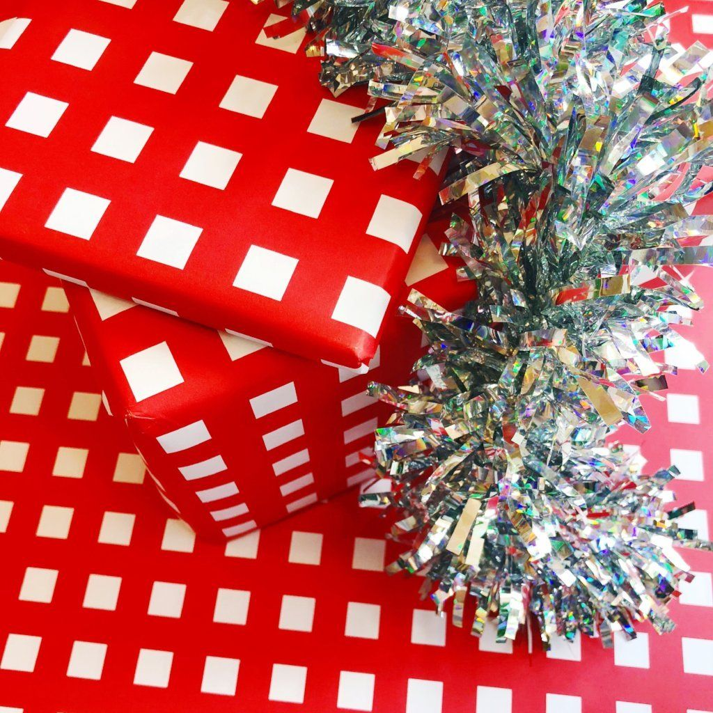 B+W Speckle Gift Wrap wrapping paper Bash Party Goods