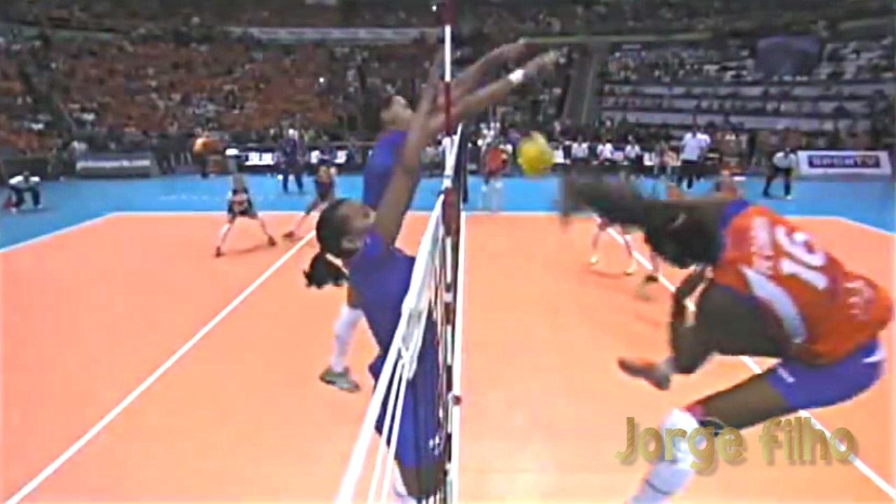 Top 15 Best Doubles And Triples Blocks In Women S Volleyball By Jorge Filho Women Volleyball Volleyball Volleyball Positions