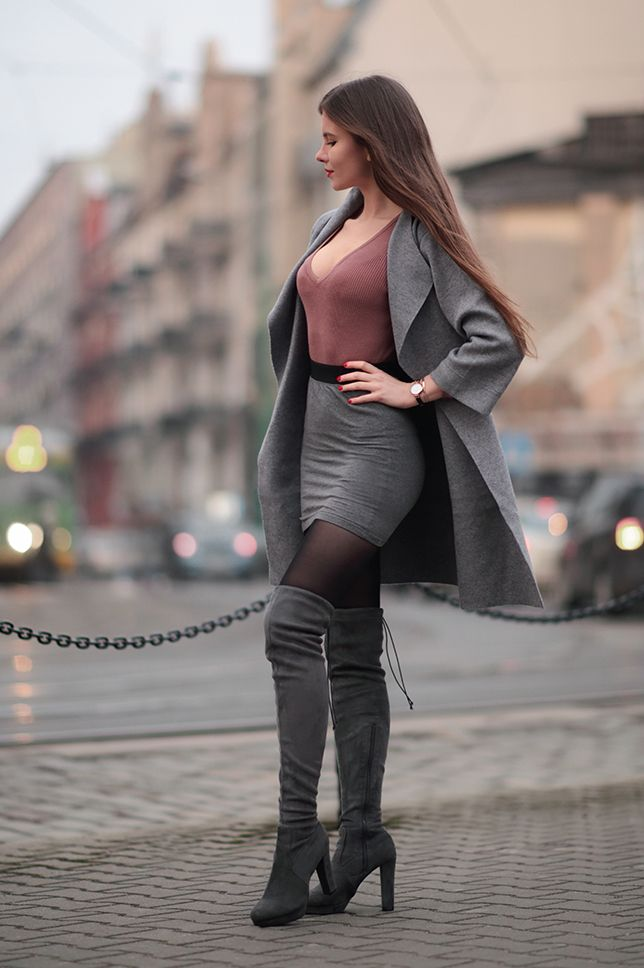 Think, sexy women wearing sexy knee boots and mini skirts can recommend