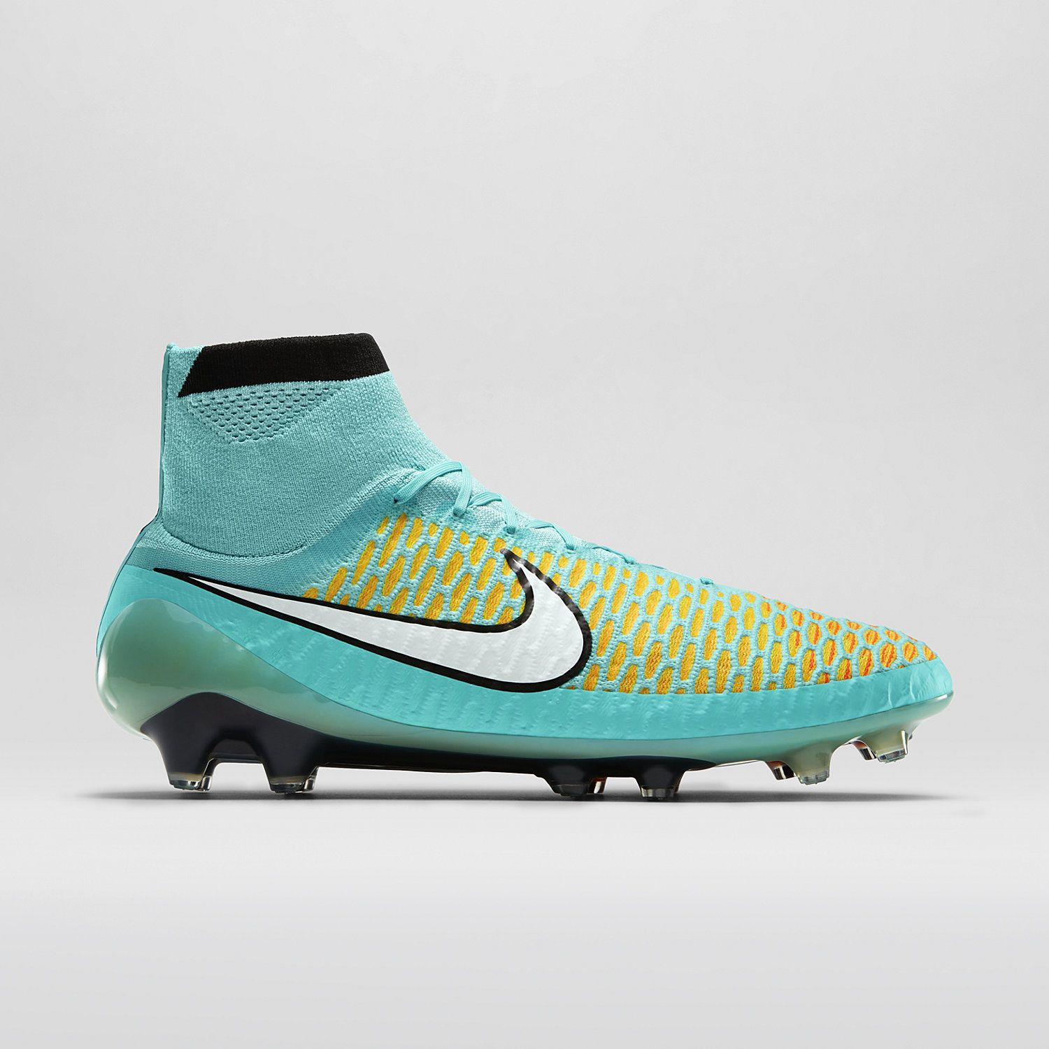 soccer cleats nike store