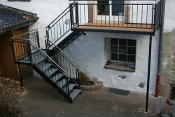 aussen treppe aus stahl stairs pinterest stahl aussen und treppe. Black Bedroom Furniture Sets. Home Design Ideas