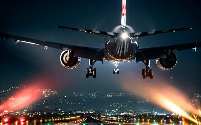 Airplane Take Off At Night Wallpaper With Images Plane Photos