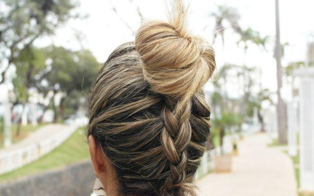 Olá amouris, hoje tem super dica da Cá Do Blog Estilo a qualquer custo, sobre Coque alto.   http://blogdajeu.com.br/trend-alert-coque-alto-penteado-perfeito-para-o-verao-e-chiquerrimo-para-o-inverno/   Corre lá.  #penteado #estilo #seuestilo #estiloaqualquercusto #verao #coque #coquealto
