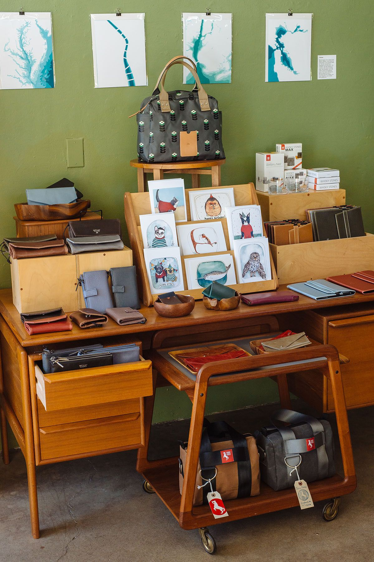 Kangaloop Tilde Travel usa, Home decor, Decor