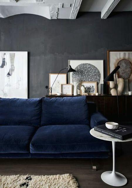 Atelier Rue Verte Le Blog Collectif Project Inside Du Bleu Nuit Pour Un Sofa White Walls Living Room Living Room Decor Blue Sofa Grey Couch Blue Walls