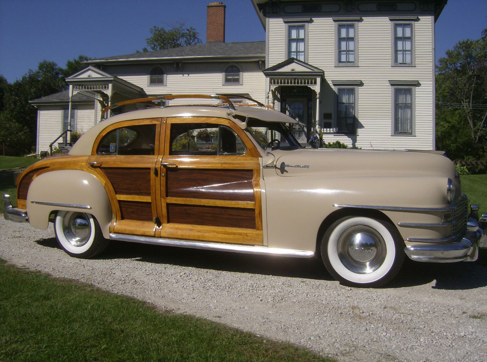 48 Chrysler Town And Country 4 Door Sedan With Wood Roof Rack