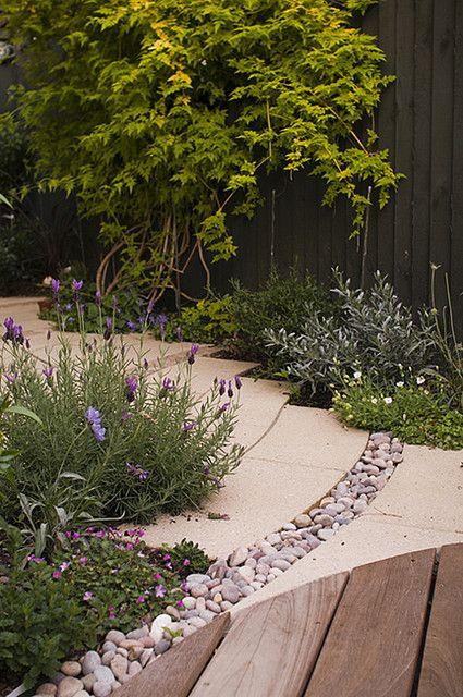 The Small Chic Garden by Earth Designs wwwearthdesignsuk - peindre une terrasse en beton