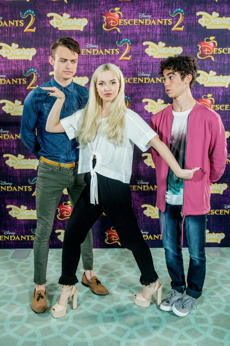 Dove Cameron, Thomas Doherty & Cameron Boyce doing Press Tour for ...