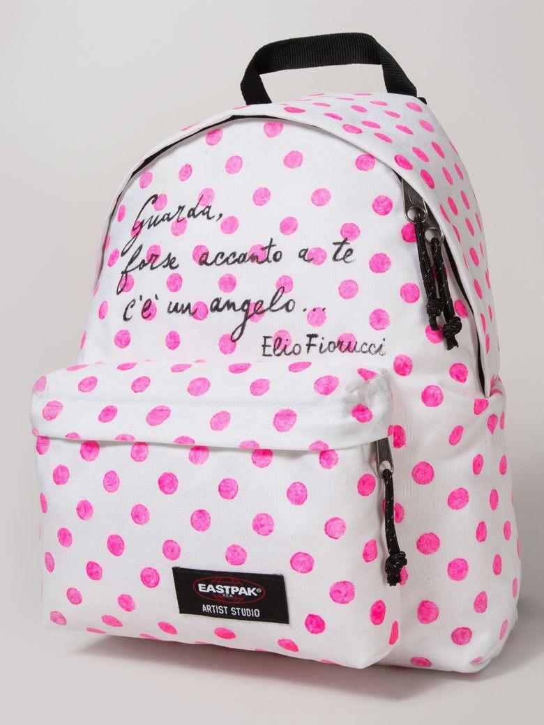 Le sac à pois Elio Fiorucci - Un sac Eastpak, 16 designers et autant  d oeuvres d art 1e674a98298a