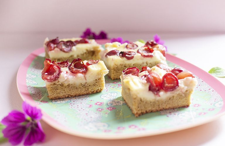 Kirsch Puddingkuchen Vom Blech Low Carb Glutenfrei Pudding Kuchen Low Carb Naschen Lebensmittel Essen
