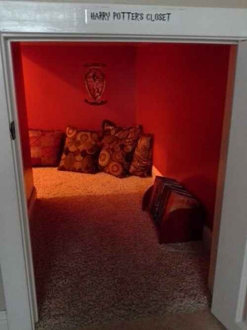 This Is The Best Reading Nook Ever Under Stairs Cupboard Harry Potter Room Reading Nook