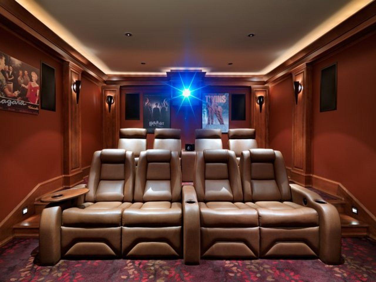 Une petite salle de ciné privée pour la route