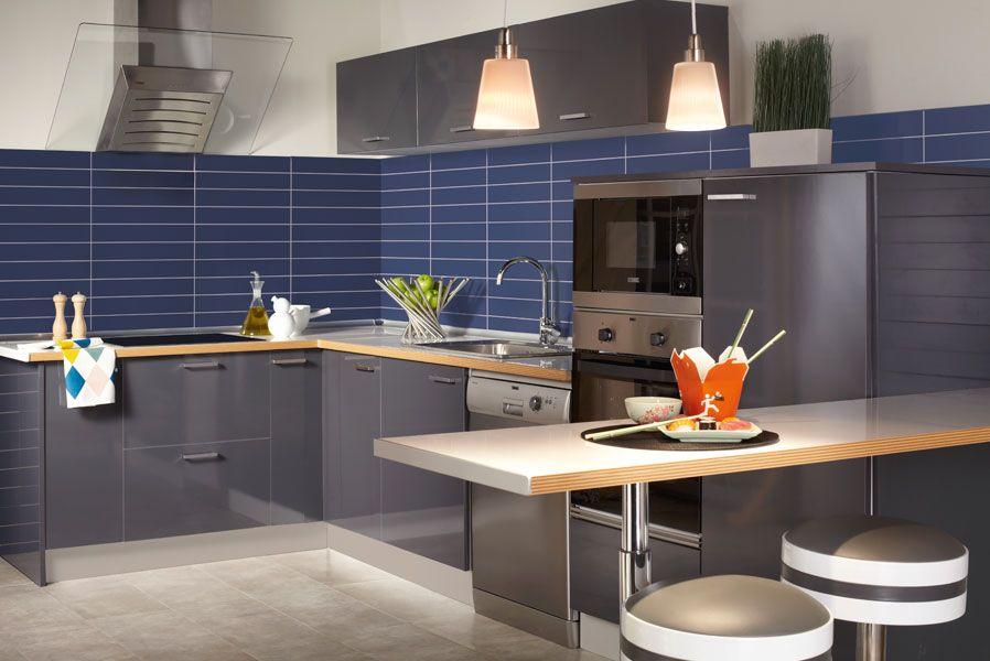 Una cocina con mucho espacio leroy merlin sue a tu - Montar cocina leroy merlin ...
