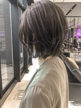 【2021年冬】【keen×天野】大人ウルフ×ブリーチなしのグレージュのヘアスタイル|BIGLOBE