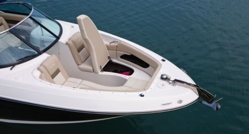 Sea Ray 300 Slx  Note The Treatment For The Anchor  The