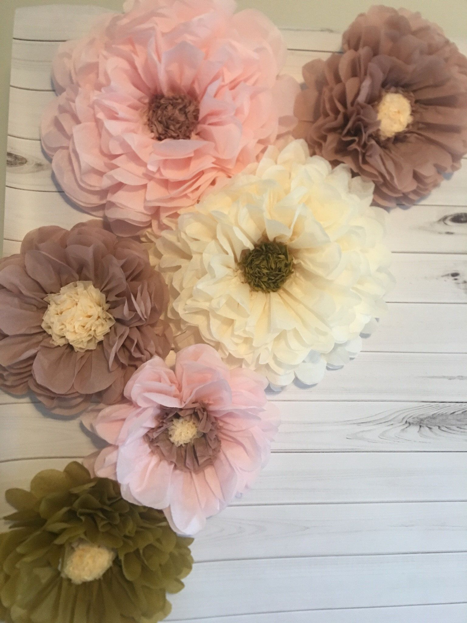 Dusty Rose And Blush Paper Flower Backdrop For Weddings Etsy In 2020 Paper Flowers Paper Flower Backdrop Flower Backdrop