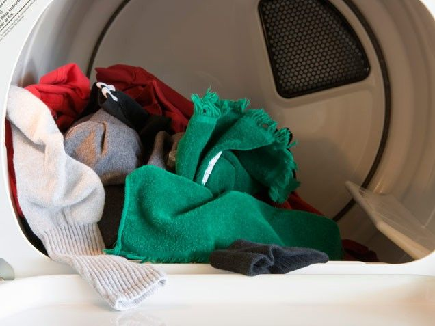 use a 1/2 c white vinegar to soften clothes and ditch the dryer sheets