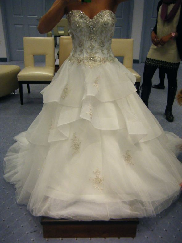 Alfred angelo disney belle dress 217 alfred angelo for Alfred angelo disney wedding dresses