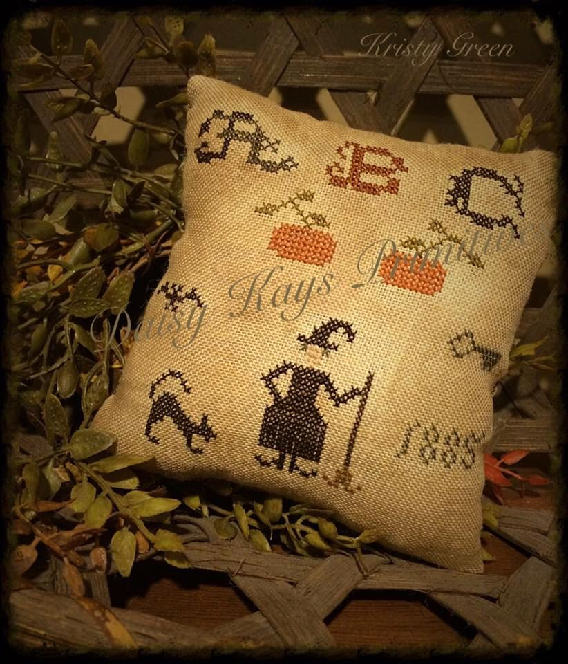 Primitive Fall Witch Pillow Tuck Pin Keep Black Cat - Primitive Halloween Decor