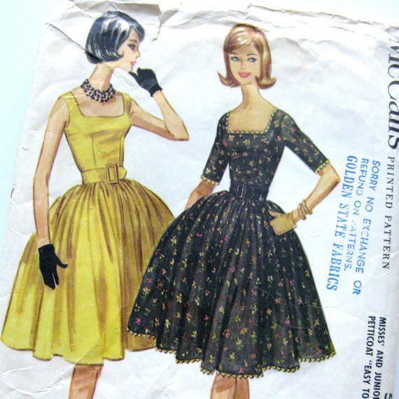 1960 Vintage Sewing Pattern  McCalls 5729  DRESS by SelvedgeShop, $22.00