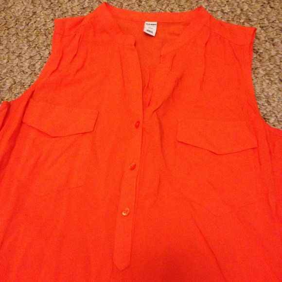 sleeveless blouse / old navy Good condition and great way to add some color to your wardrobe! Old Navy Tops Blouses