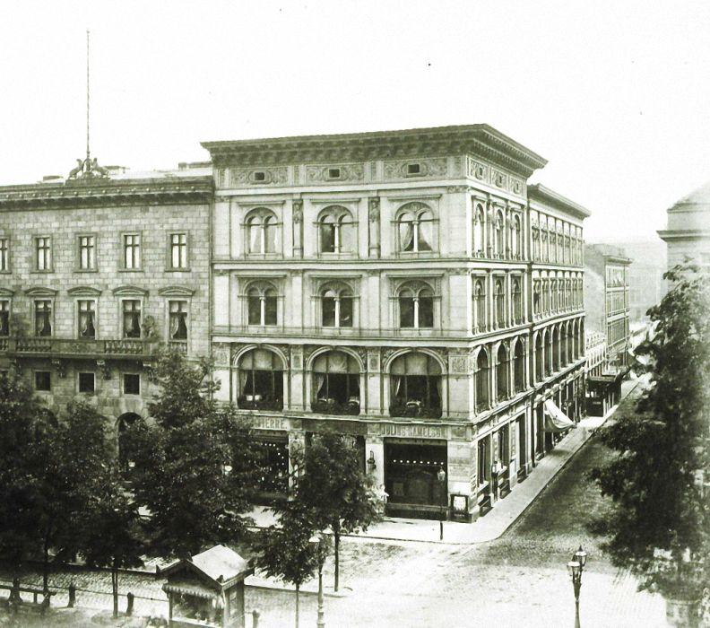 Max Missmann Unter den Linden Ecke Charlotten Straße, 1879
