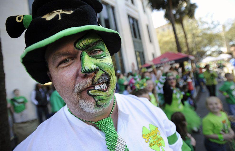 El mundo se tiñe de verde por San Patricio. St Patrick's day. Make up