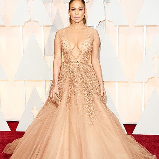 The #Oscars 2015   87th #Academy #Awards #Red #Carpet #Fashion: #Best #Dressed - #Jennifer #Lopez in an #elegant #Elie #Saab gown accessorized with a #Salvatore #Ferragamo #clutch and 20 carats of #Neil #Lane #diamond and #platinum #jewelry.