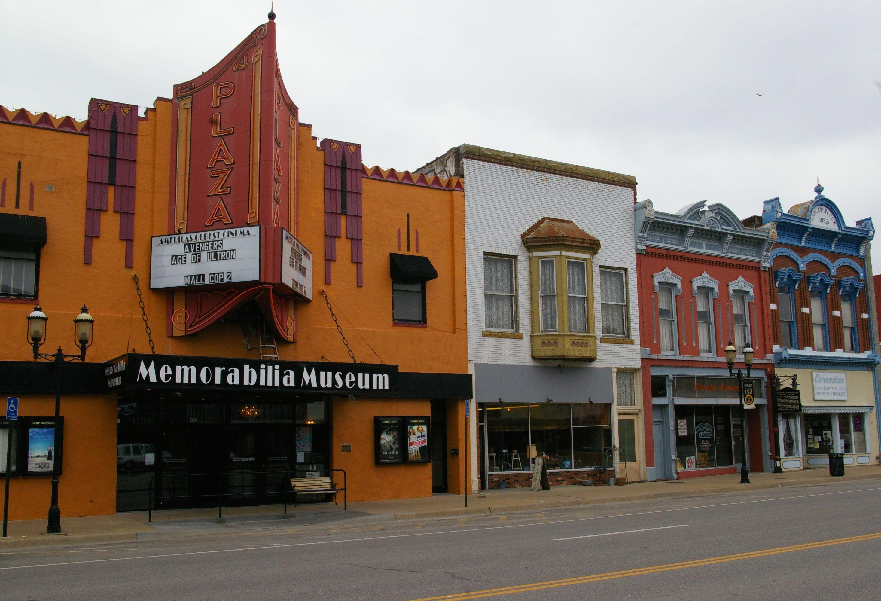 Crystal Plaza Cinema: World\'s Oldest Movie Theater | Pinterest | Kansas