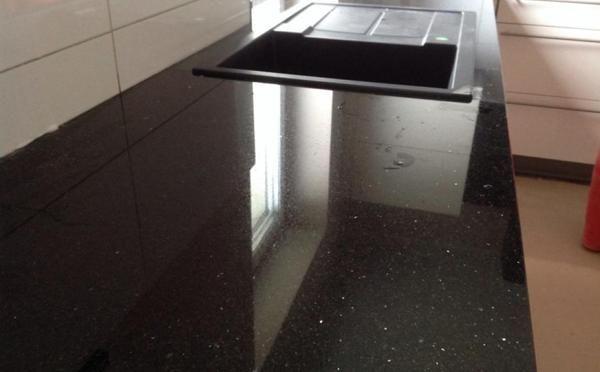 Lieferung Granit Arbeitsplatte, Wischleiste und Fensterbank Star - küchenarbeitsplatte aus granit