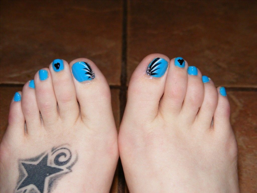 Toe Nails Easy Cute Blue Polish Shine Look Simple