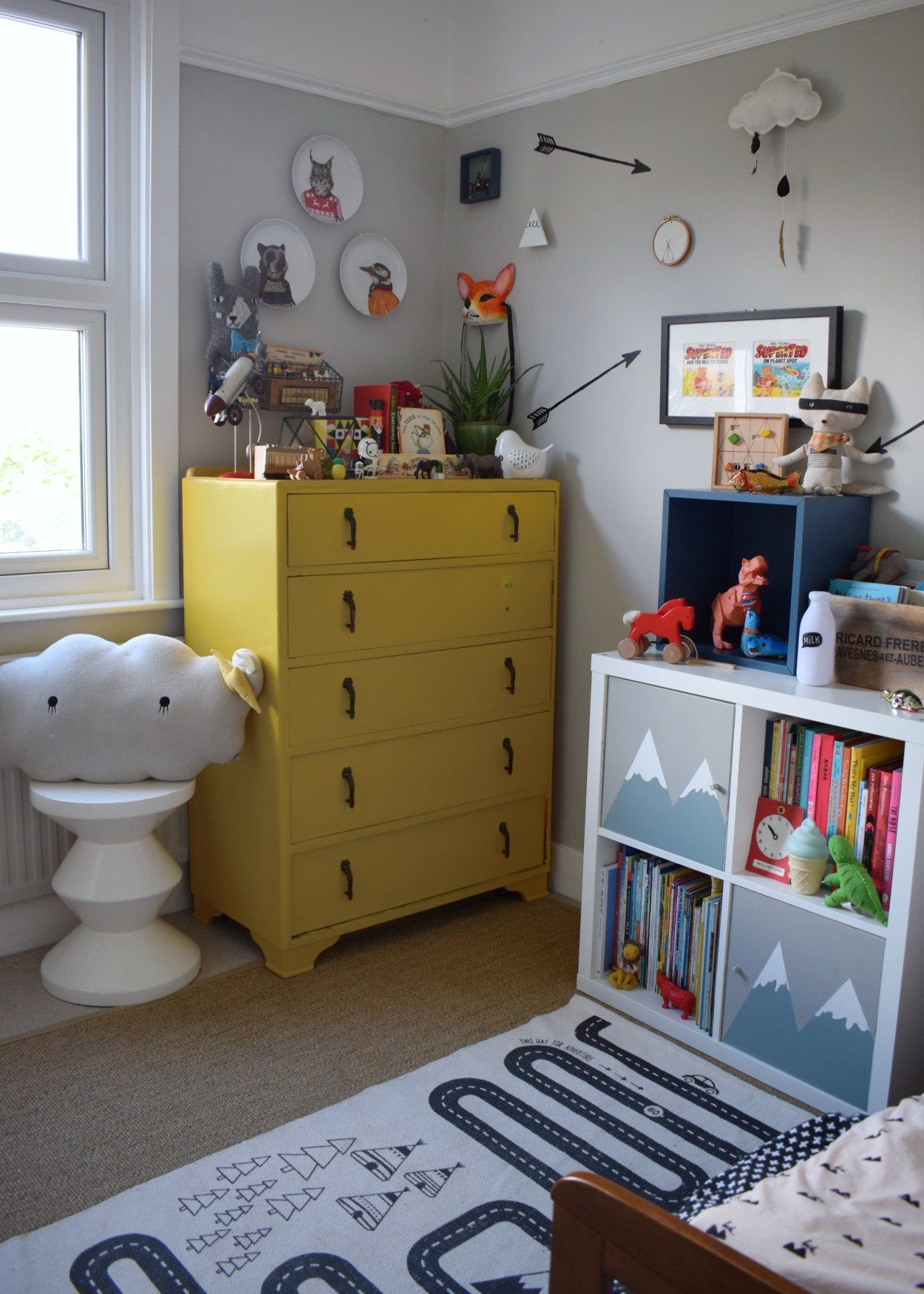 Eclectic Vintage Colourful Kids Space Interior Design Ideas, Kooky Animal