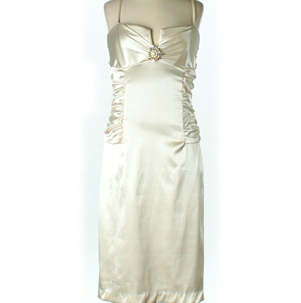 Windsor formal cream dress w brooch windsor fc and products