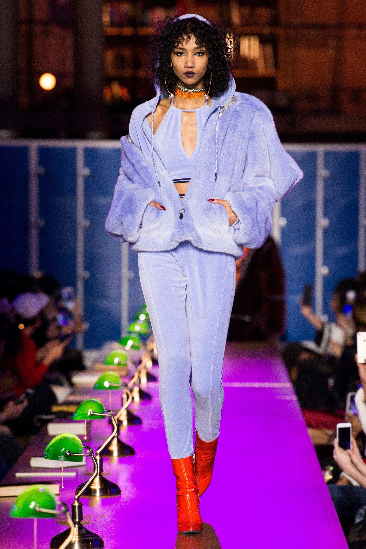 reputable site 6ed06 e5cf2 Fenty x Puma Fall 2017 Ready-to-Wear Fashion Show | RUNWAY ...