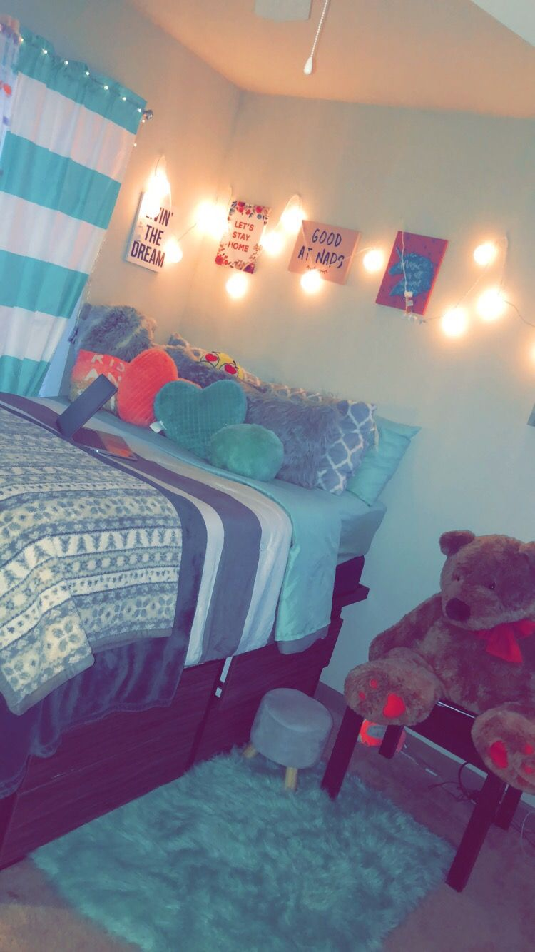 college dorm room lights plush blanket on Fairy Lights In Dorm Room id=78848
