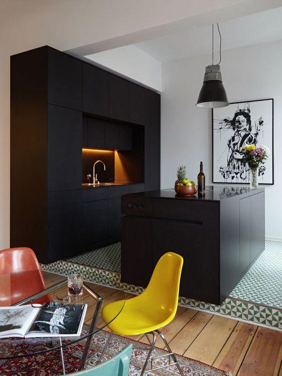 Schwarze Wohnung In Kreuzberg Homify Moderne Kuche Kuchen Design Haus Kuchen