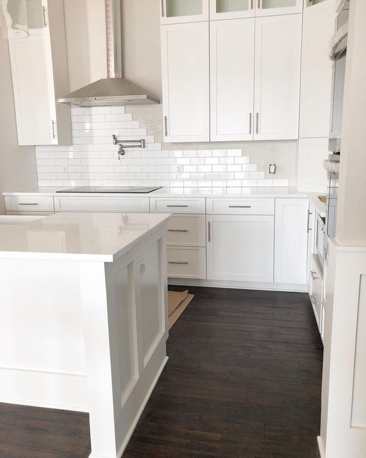 Best New Kitchen Design With White Tile White Cabinets 400 x 300