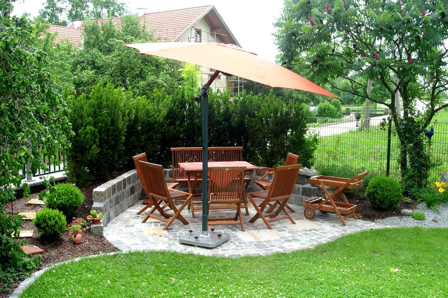 Wege Sitzplatze Sitzecke Mauern Trockenmauer Gartengestaltung Gartengestaltung Sitzecken Garten Sonnenschirm Lichter
