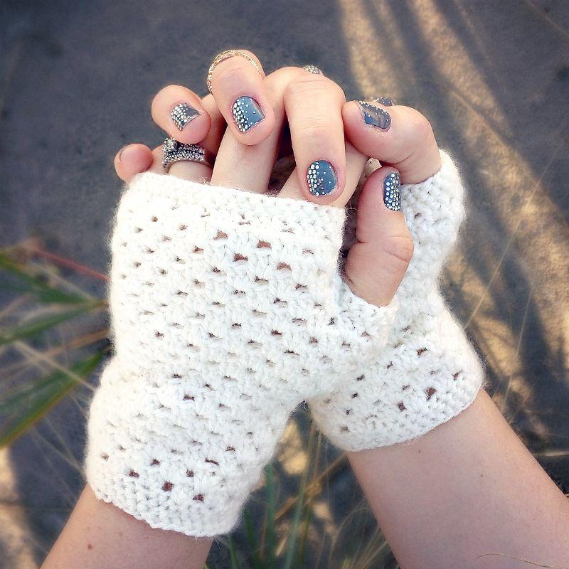 delicate crochet hand warmers (a free pattern) - Key: st: stitch sl ...