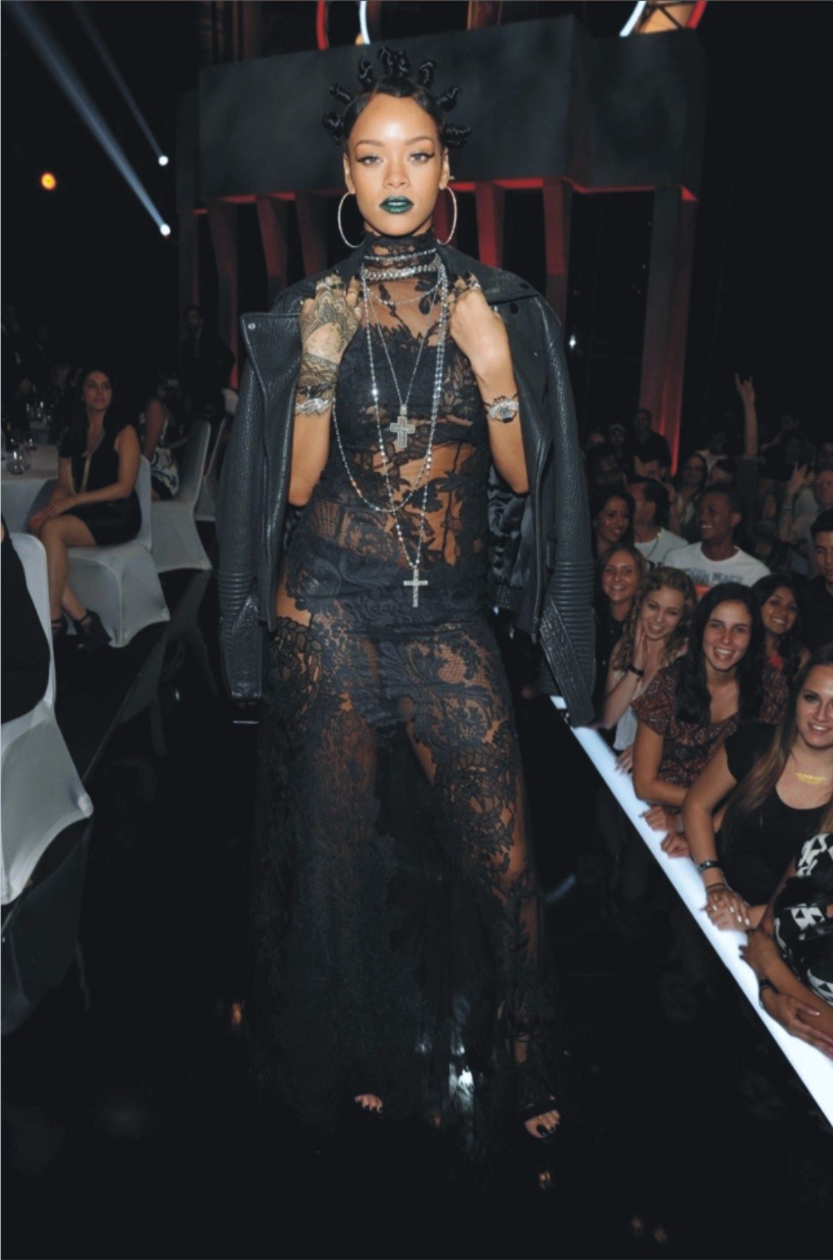In case you were wondering how long before celebs started to show up here. And in case you want to try green lipstick, feel free. It was #brutallychic on #Rihanna and so was her gown from #Givenchy. www.givenchy.com #womensfashion #womenswear