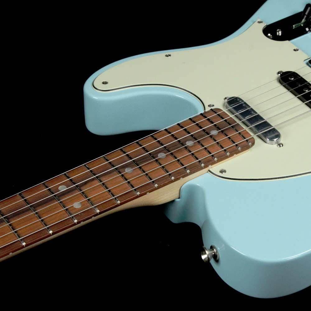 Fender Deluxe Nashville Telecaster Daphne Blue Fender Deluxe Telecaster Fender